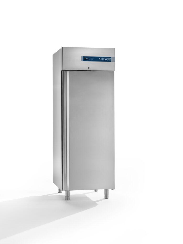 armadio refrigerato 700L studio54